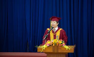 Trường Đại học Công nghệ Thông tin chúc mừng hai Tiến sĩ đầu tiên