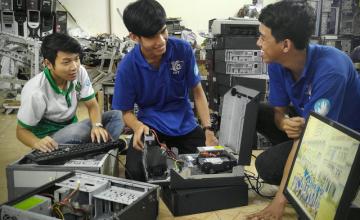 ĐH Công nghệ thông tin, ĐH Kinh tế-luật hợp tác đào tạo