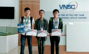 Sinh viên khoa Kỹ thuật Máy tính giành giải Nhì cuộc thi Cansat