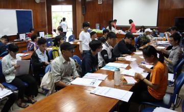 Hơn 1300 tân sinh viên Khóa 2018 nhập học