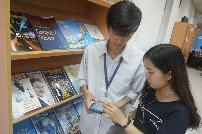 Hoàng Kim Tuấn và Trần Thị Minh Trang mất khoảng hai tuần để tạo ra SmartGoing