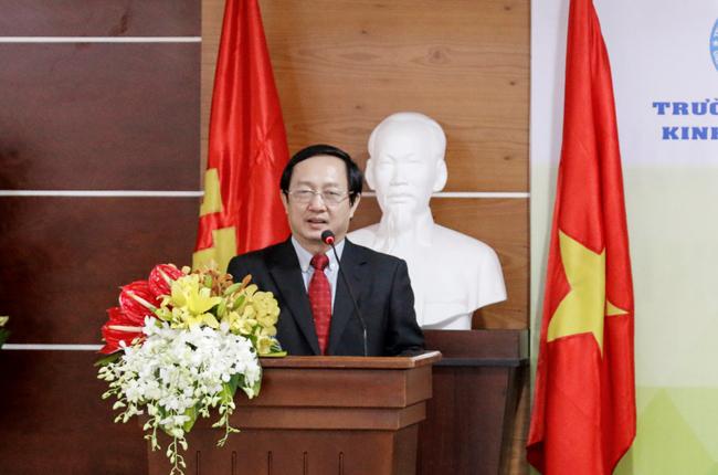 PGS.TS Huỳnh Thành Đạt phát biểu chúc mừng buổi lễ