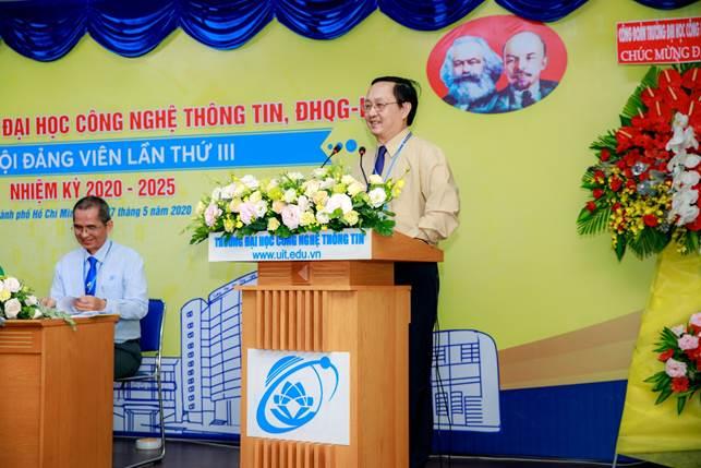 PGS.TS Huỳnh Thành Đạt, Bí thư Đảng ủy, Giám đốc ĐHQG-HCM phát biểu chỉ đạo đại hội