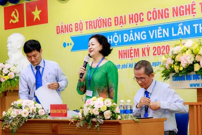 Đoàn Chủ tịch điều hành Đại hội Đảng bộ Trường Đại học CNTT nhiệm kỳ 2020-2025